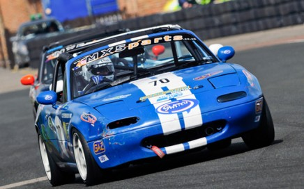 Dan Rogers Ma5da MX5 Croft Mazda Racing